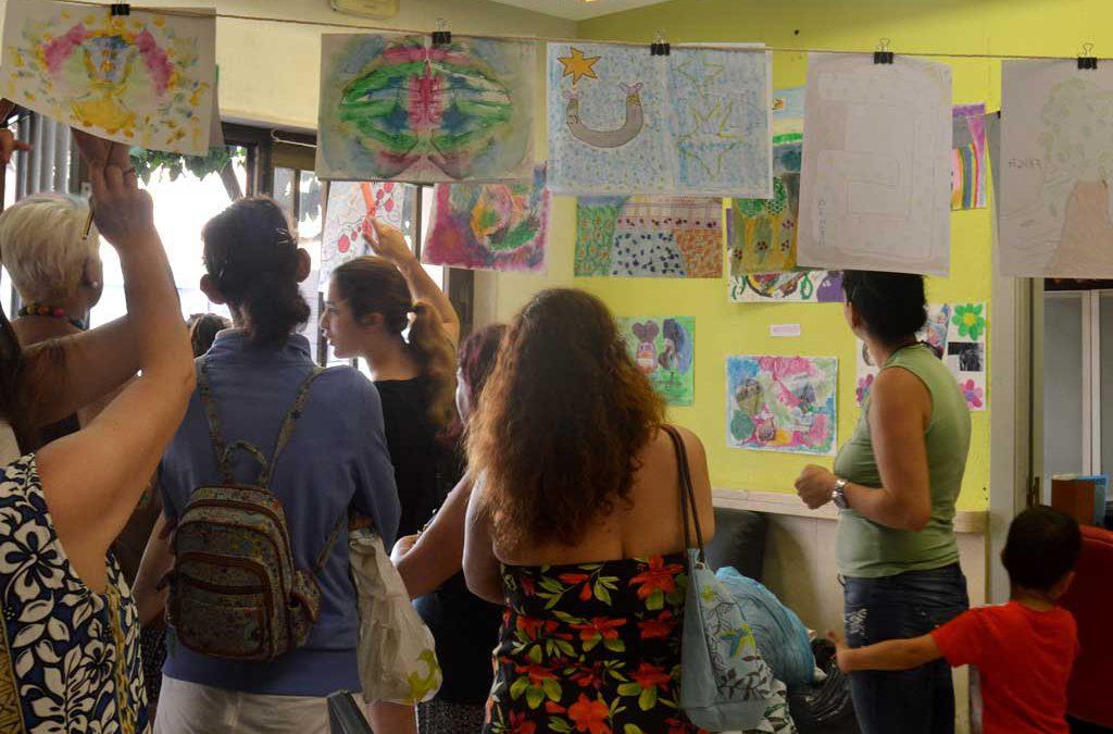Exposición de arte en Algeciras realizadas por grupo de mujeres en el taller de Arte Terapia