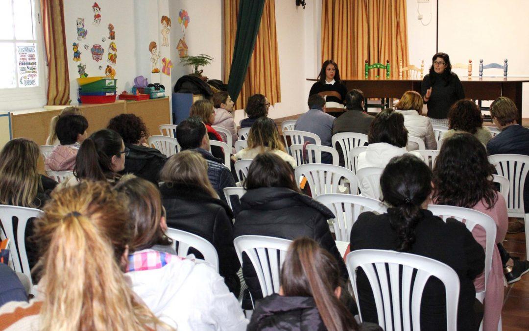 Márgenes y Vínculos realiza en Casares una actividad de sensibilización centrada en la prevención de la violencia sexual infantil para familiares