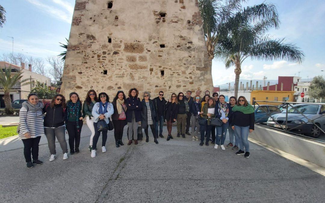 El programa Tu barrio en positivo recorre la ruta Paco de Lucía por La Bajadilla junto a técnicos municipales de inclusión social