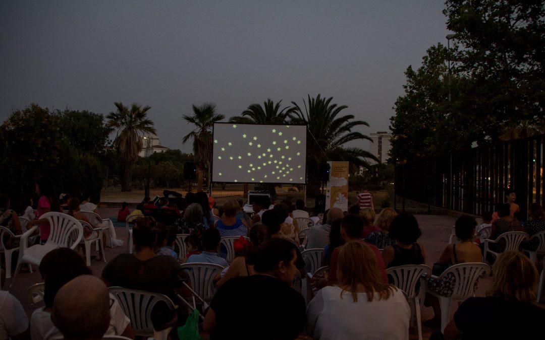 Un barrio de todos proyecta mañana la película Azahar en su Cine bajo las estrellas, dentro de sus actividades de verano