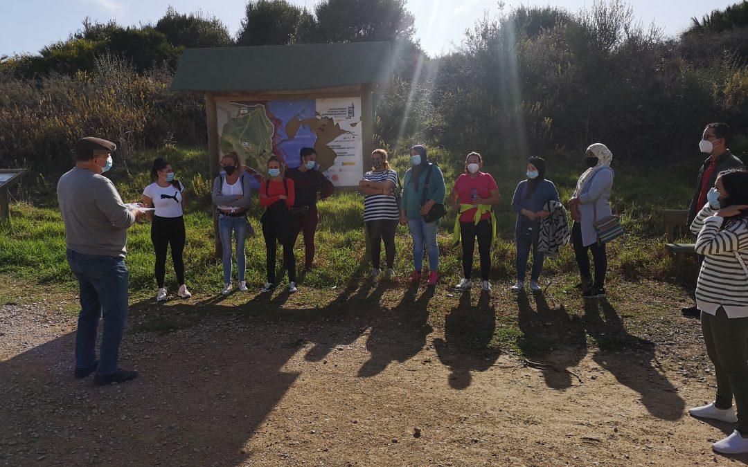 Tu barrio en positivo enseña a mujeres de Algeciras la historia de los prisioneros que hicieron trabajo esclavo
