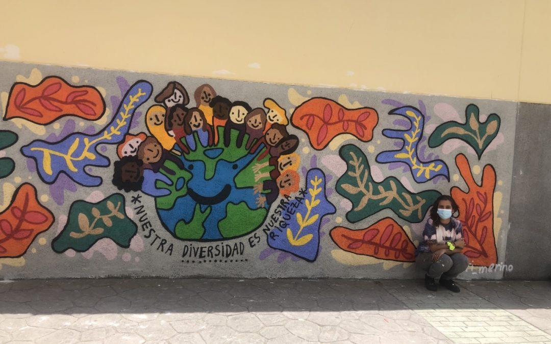 Márgenes y Vínculos llena un muro del instituto Clara Campoamor de Ceuta con los colores de la diversidad